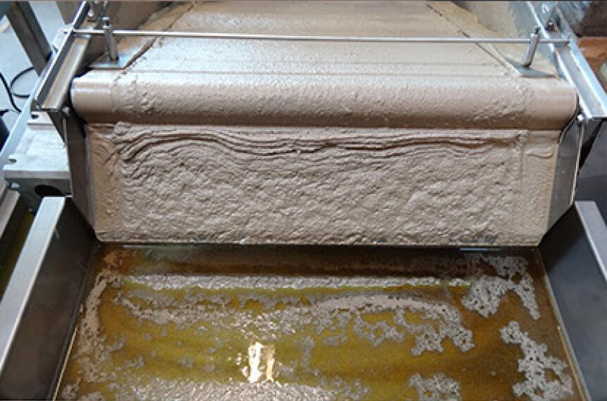 filtrarea-eficienta-a-fluidelor-de-proces-cu-filtre-cu-banda-hidrostatica