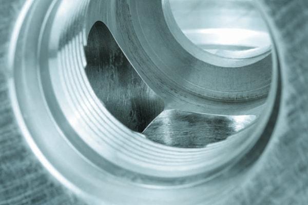 spalarea-cu-ultrasunete-a-pieselor-metalice-dupa-debavurarea-termica