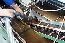 servicii curatare masini industriale CNC si fluide de aschiere